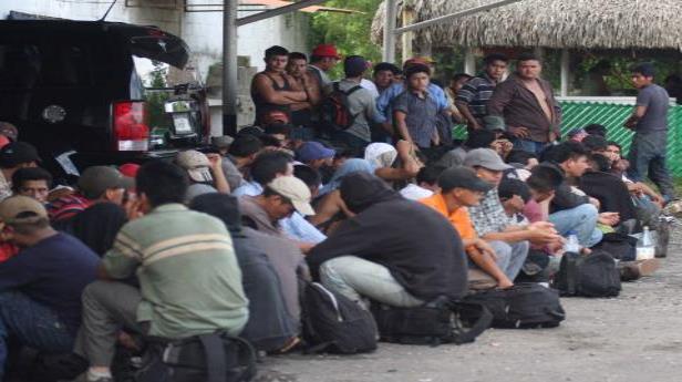 Migrantes saturan albergues en la franja fronteriza