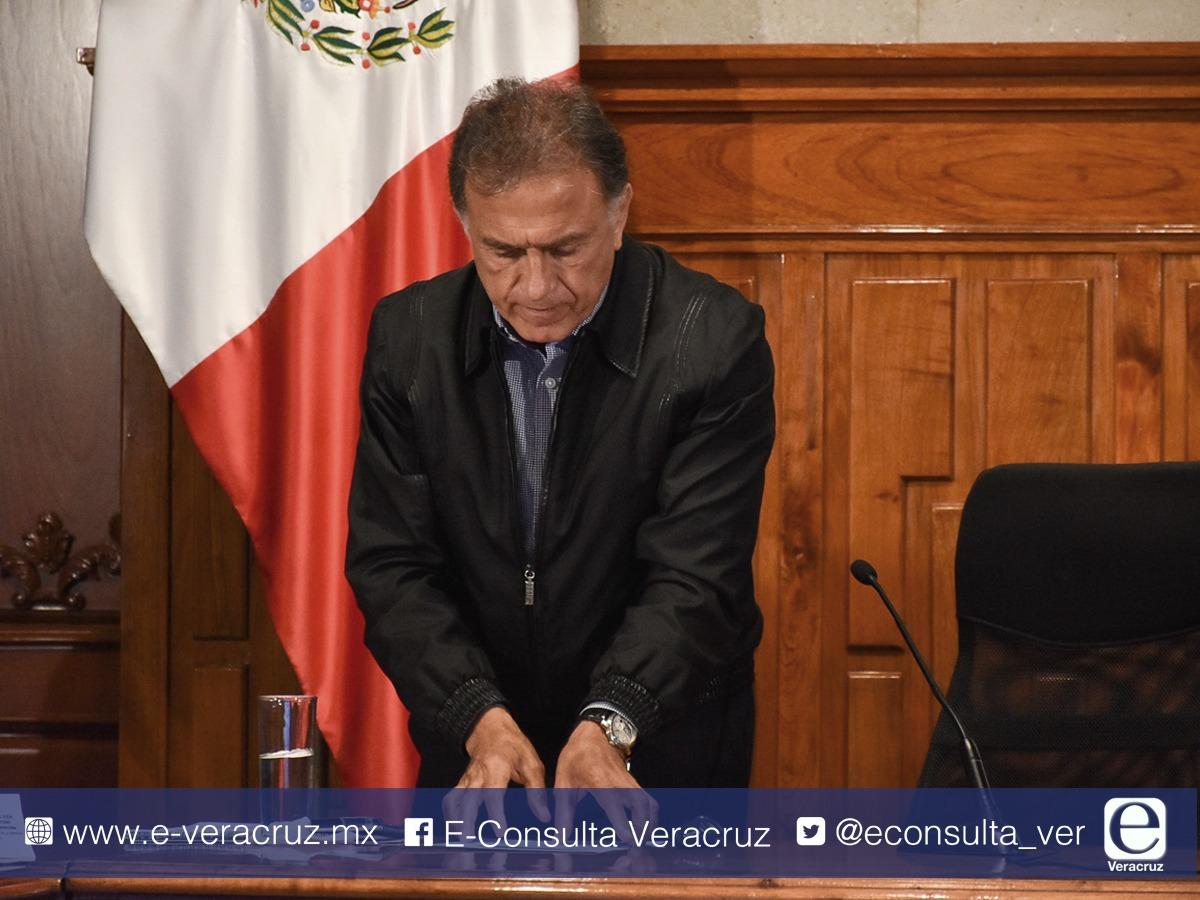 Narcomantas empañan últimos días en gobierno de Yunes