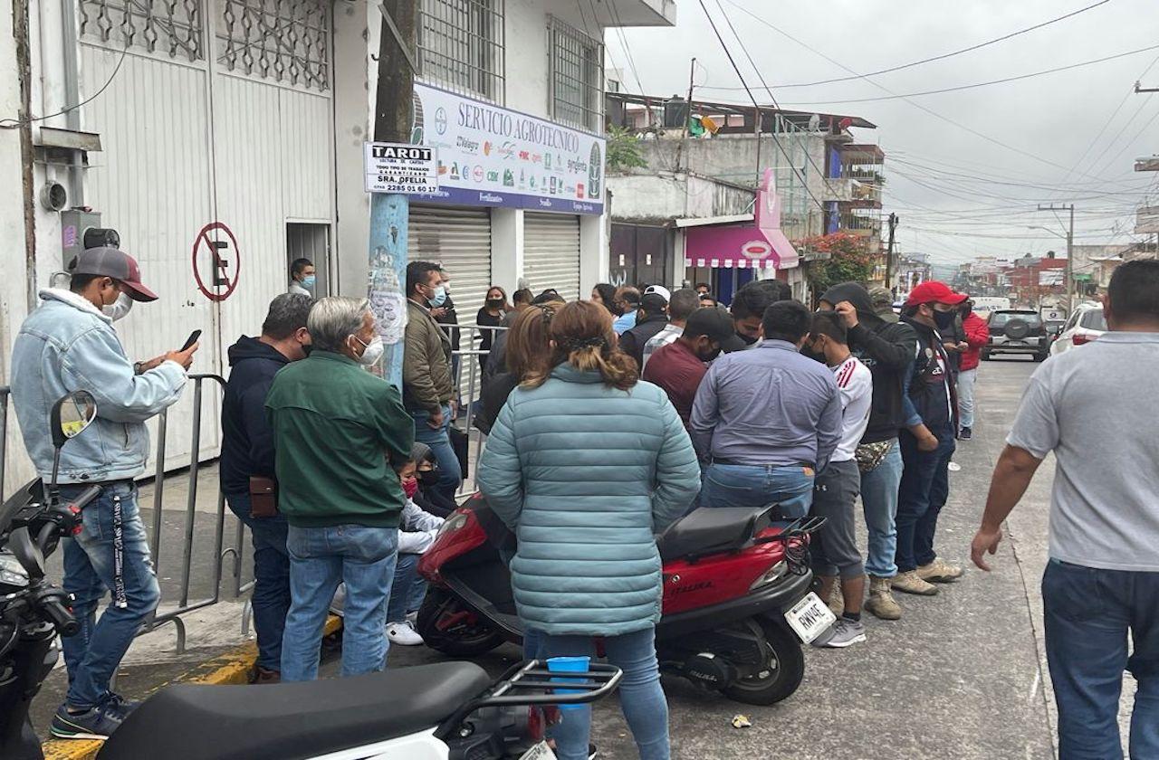 Militantes intentan sabotear cómputos municipales en OPLE Xalapa