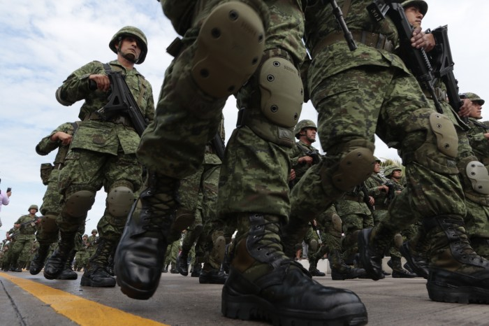 Ley de Seguridad Interior pondría al país al borde del golpe de estado: Morena