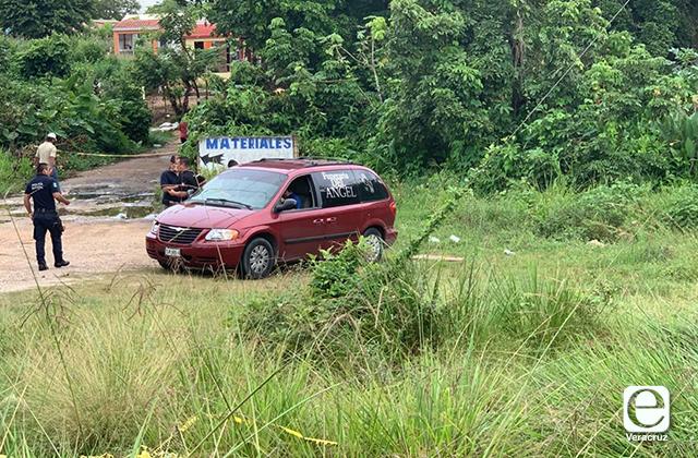 Abandonan cadáveres embolsados en zona rural de Mina