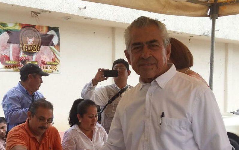 Regidores van contra alcalde de Minatitlán, exigen su destitución