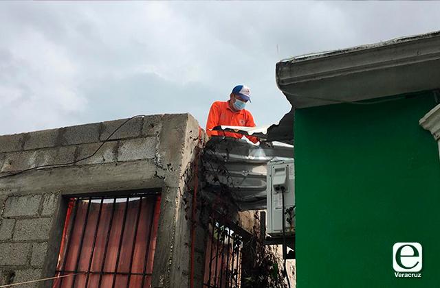 Mini tornado causa afectaciones en viviendas de Coatza