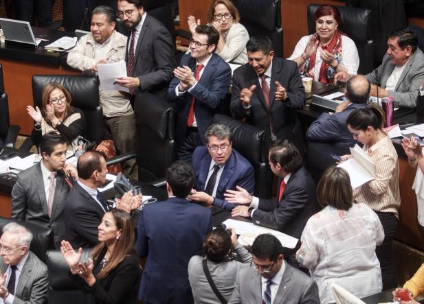 Frenan Reforma Educativa en el Senado