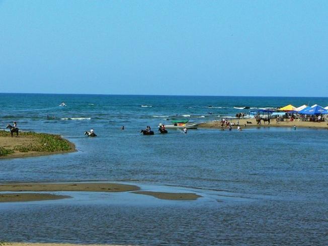 Mueren ahogados dos menores en la playa 2 de Abril en Veracruz