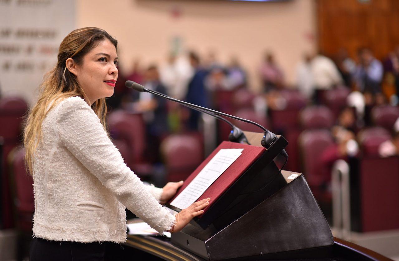 Regina Vázquez: Del PRI al PAN y ahora se suma a Morena