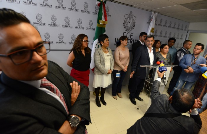 Grupo legislativo de MORENA denuncia a Eva Cadena ante la FGE