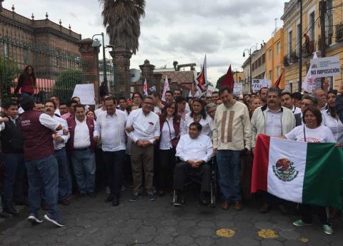 Morenistas marchan contra fraude electoral en Puebla