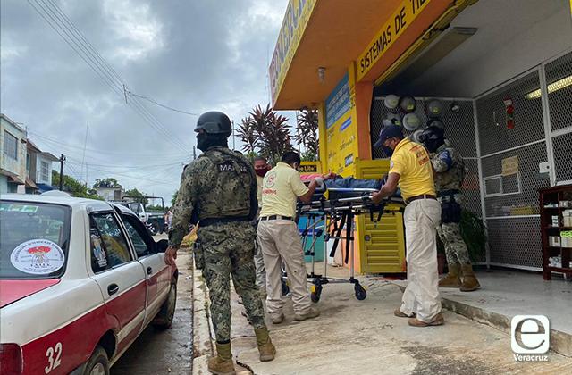 Muere líder taxista, tras ser baleado en Acayucan