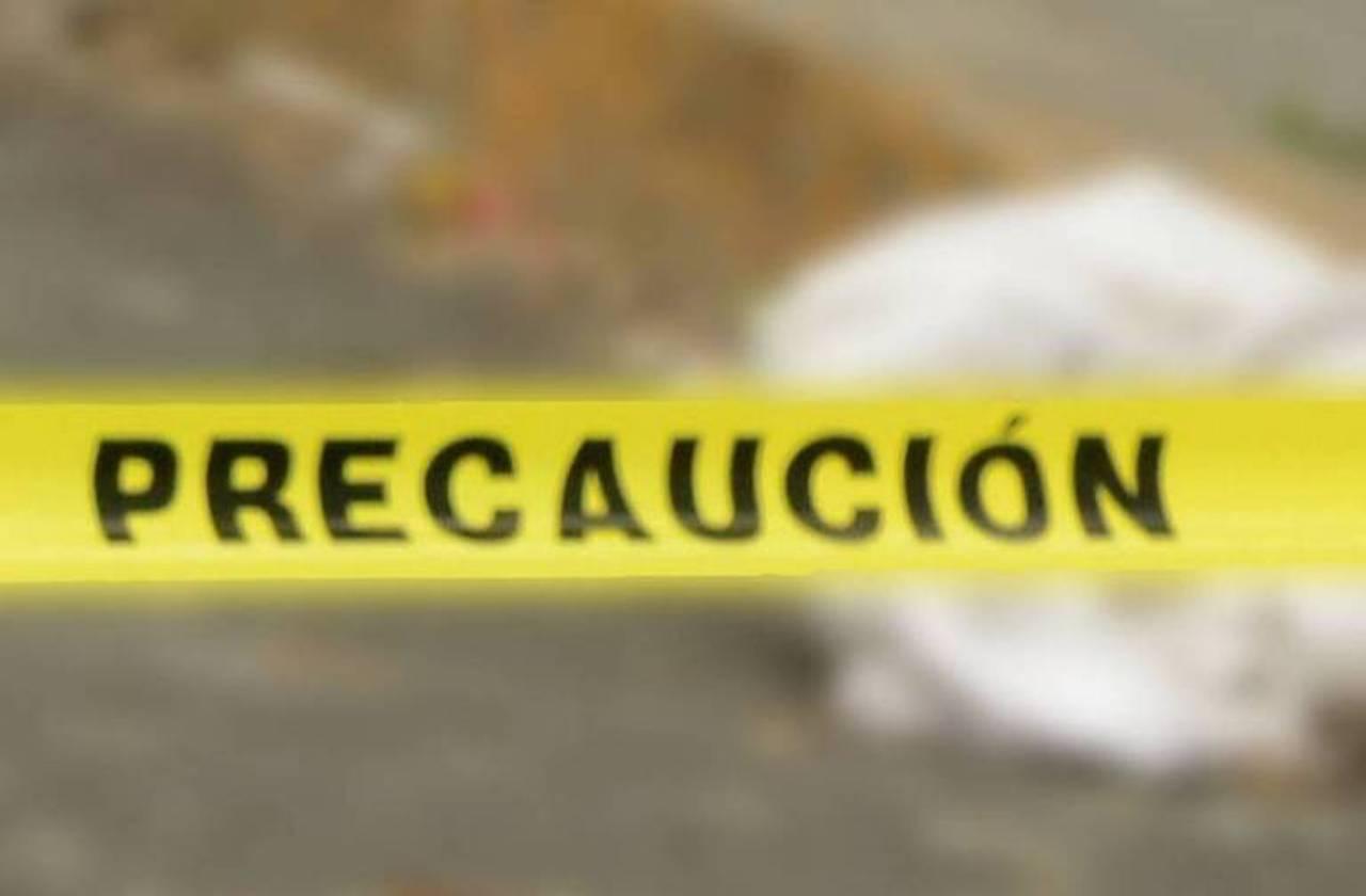 Mueren dos jóvenes tras accidentarse en moto, en Medellín