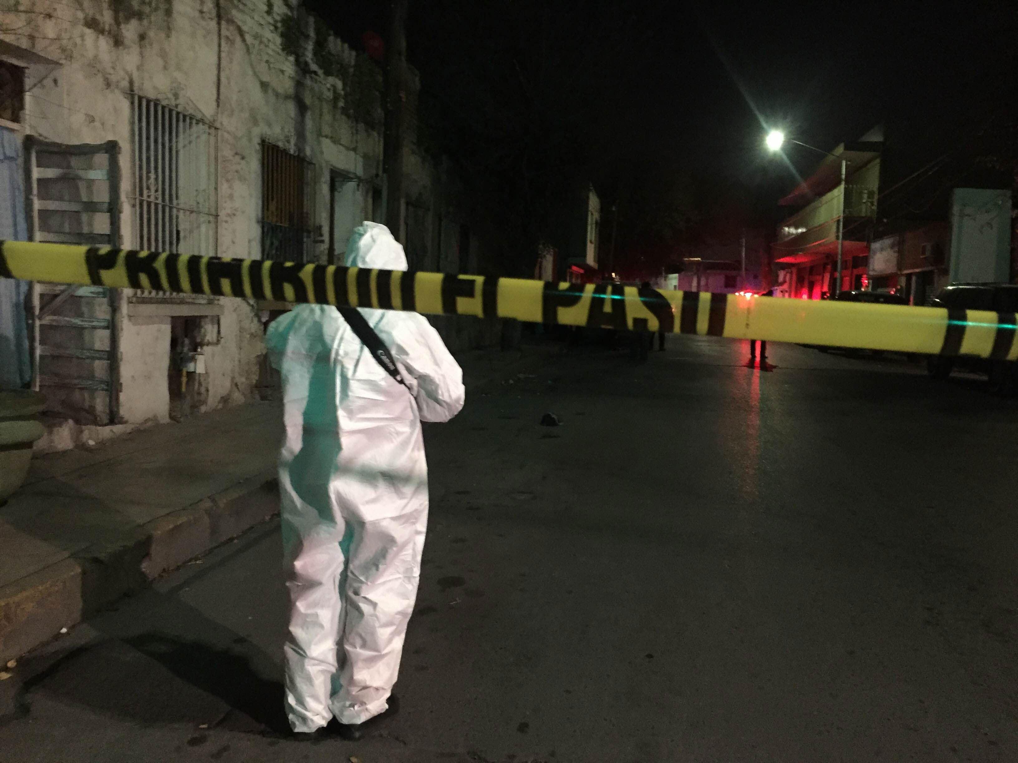 Un muerto y un herido tras riña fuera de bar en Veracruz