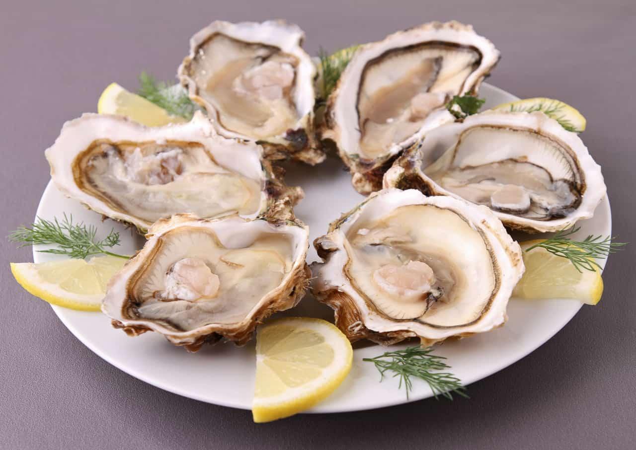 La bacteria carnívora que te hará pensar dos veces antes de comer ostras