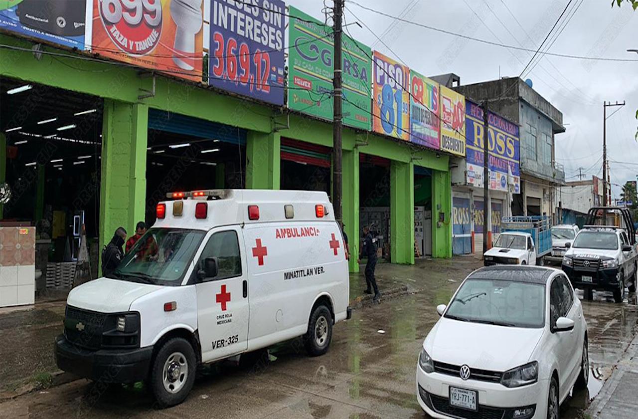 Mujer resulta herida de bala tras resistirse a asalto, en Mina