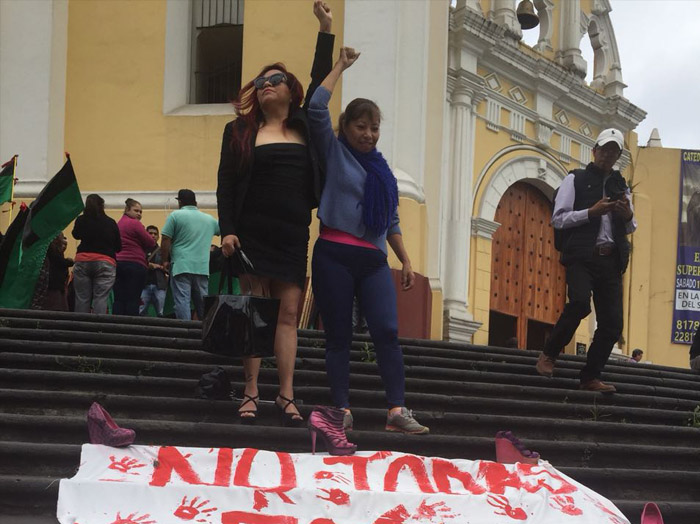 Protestan en Xalapa por feminicidios y agresiones a mujeres