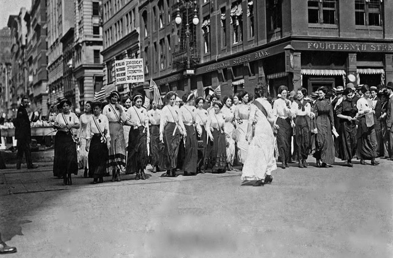 ¿Cómo surgió la conmemoración por el Día Internacional de la Mujer?