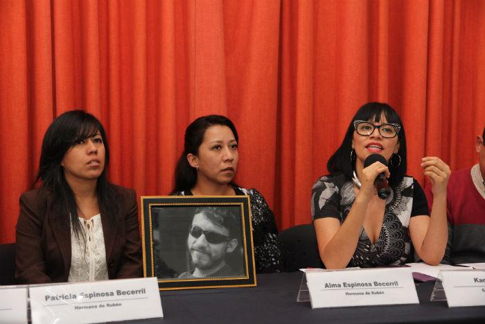 Mancera nos ofreció ir a fondo, y hace 7 meses que no nos recibe, dicen familias del caso Narvarte
