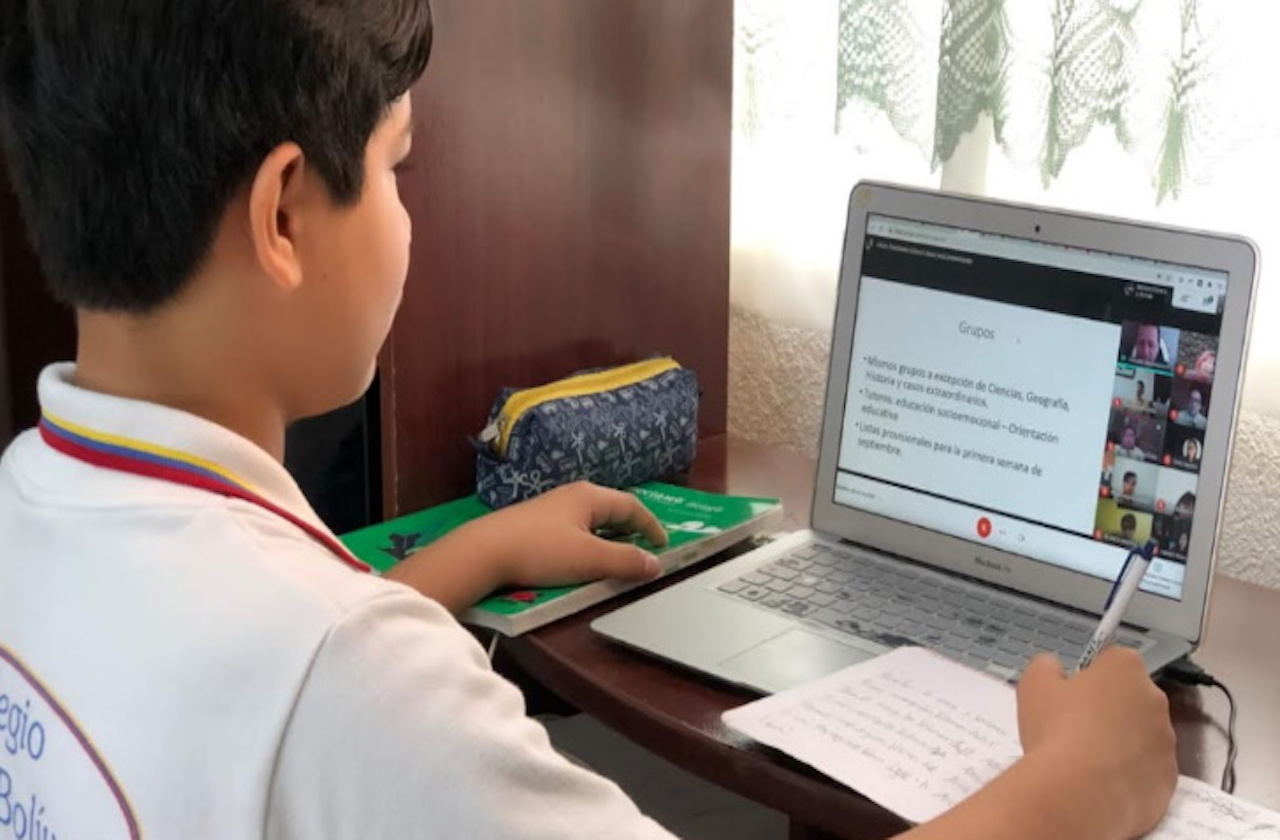 Negocios se solidarizan ofreciendo Wi-Fi en regreso a clases
