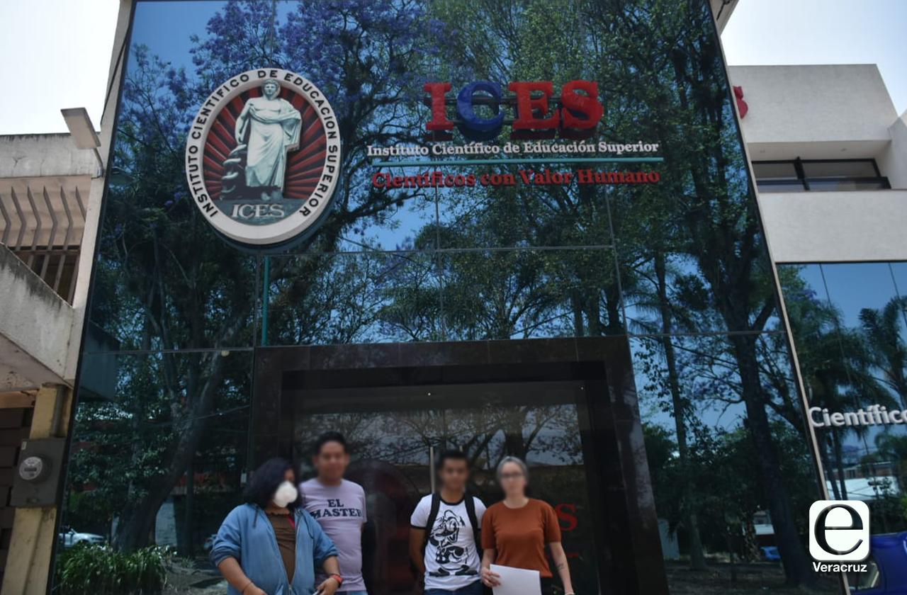 Pese a contingencia, universidad de Xalapa niega descuento a colegiaturas