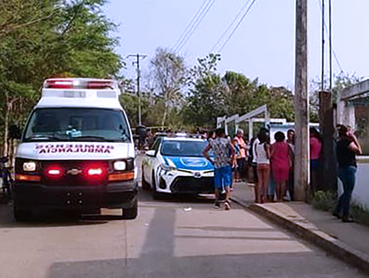 Hombre se quita la vida tras asesinar a su hijo en Cosoleacaque