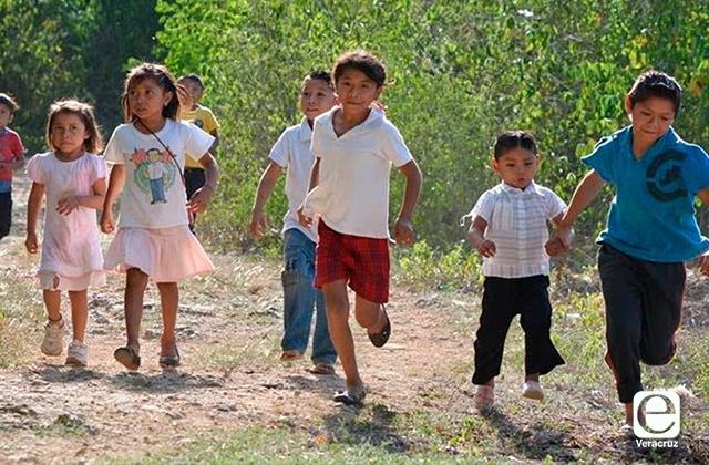 Ahora también niños recibirán beca de Gobierno en Veracruz