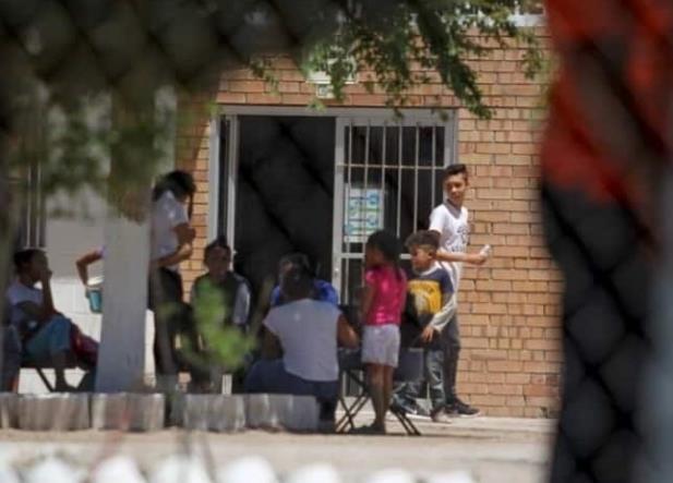 Niños migrantes escaparon de albergue