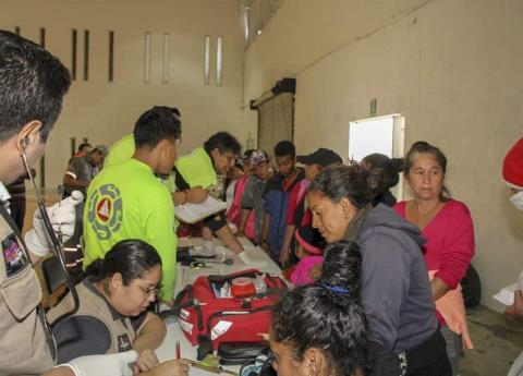 Reciben a caravana de migrantes en Nuevo León