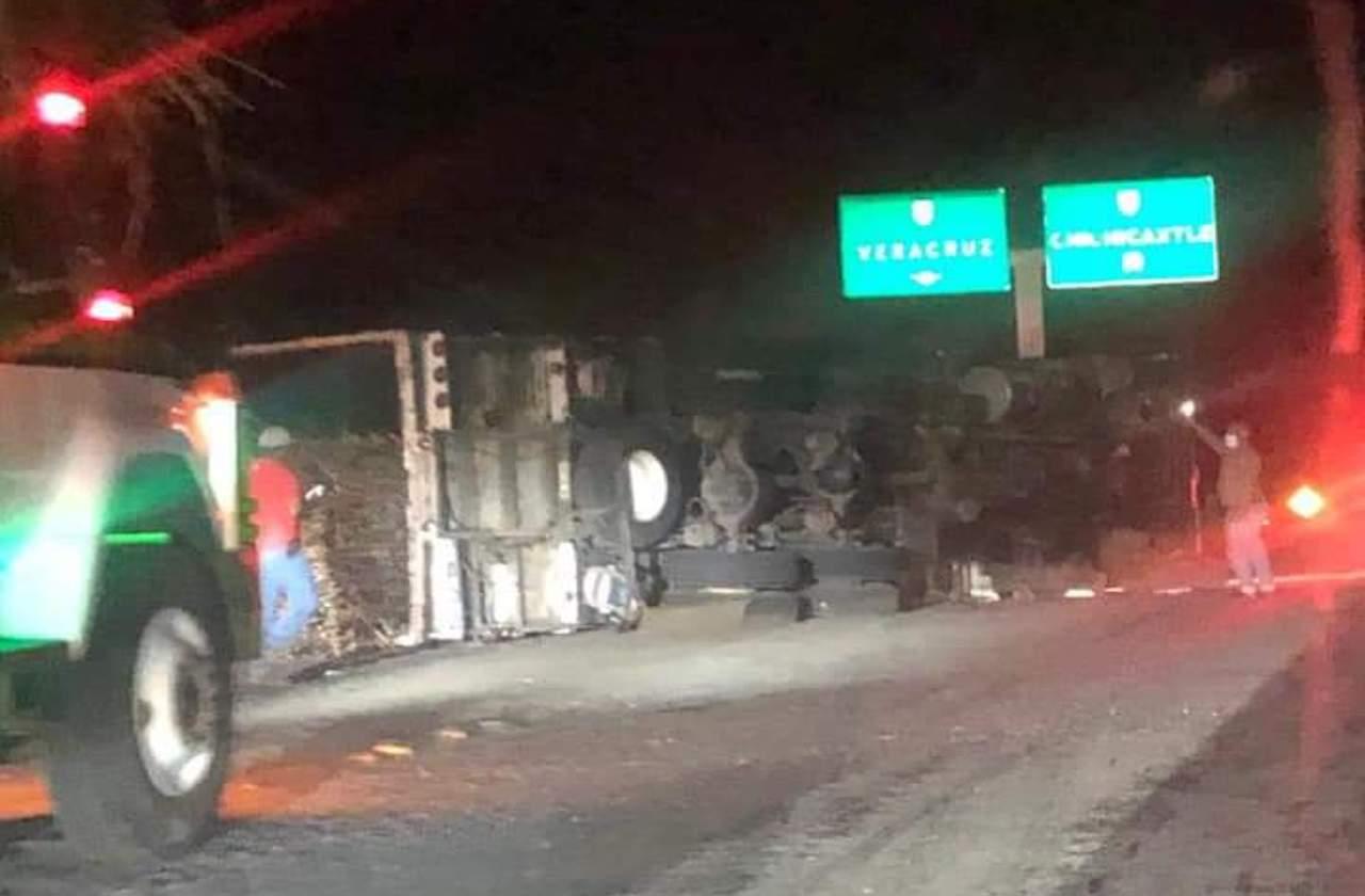 Noche de accidentes múltiples en la Xalapa-Cardel