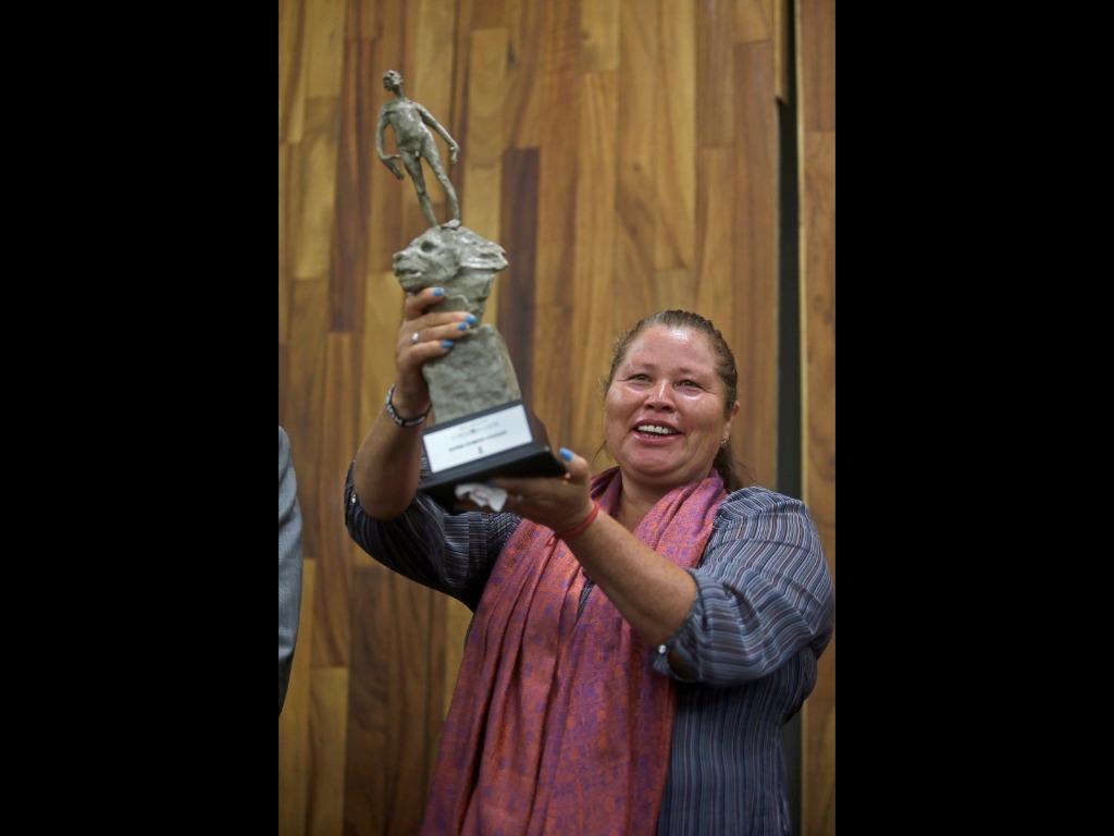 UdeG otorga premio 'Corazón de León' a fundadora de Las Patronas