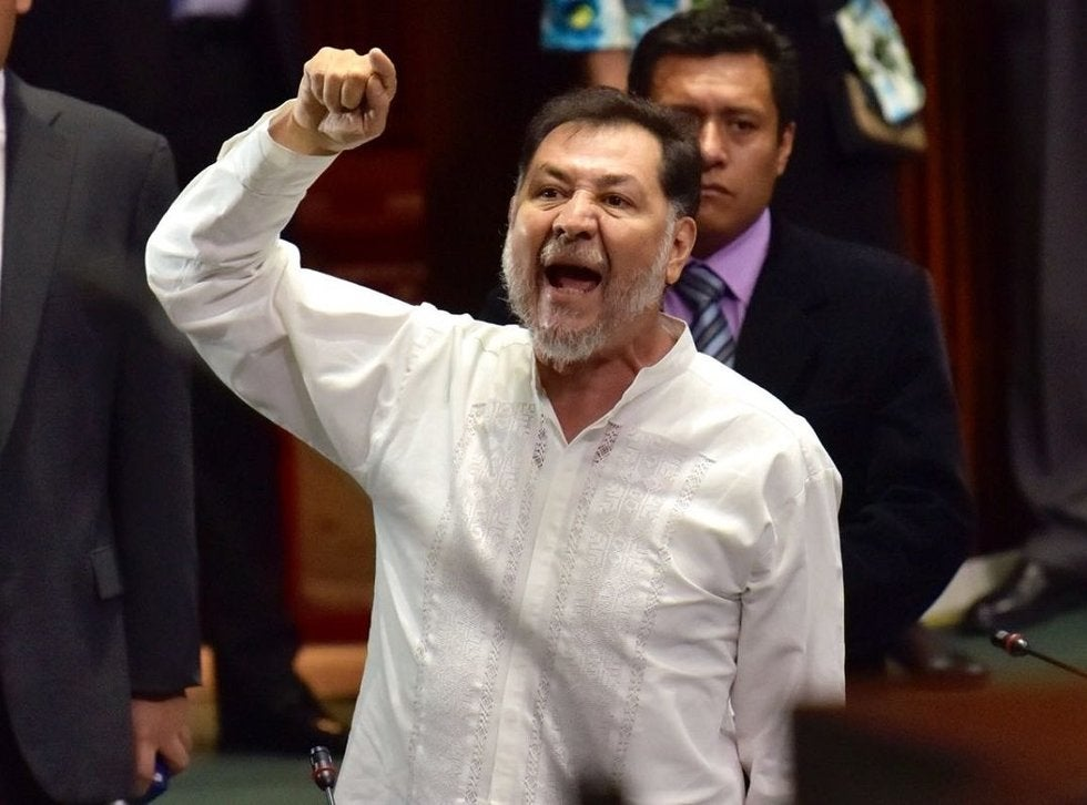 Noroña pierde el control con periodistas, en Xalapa