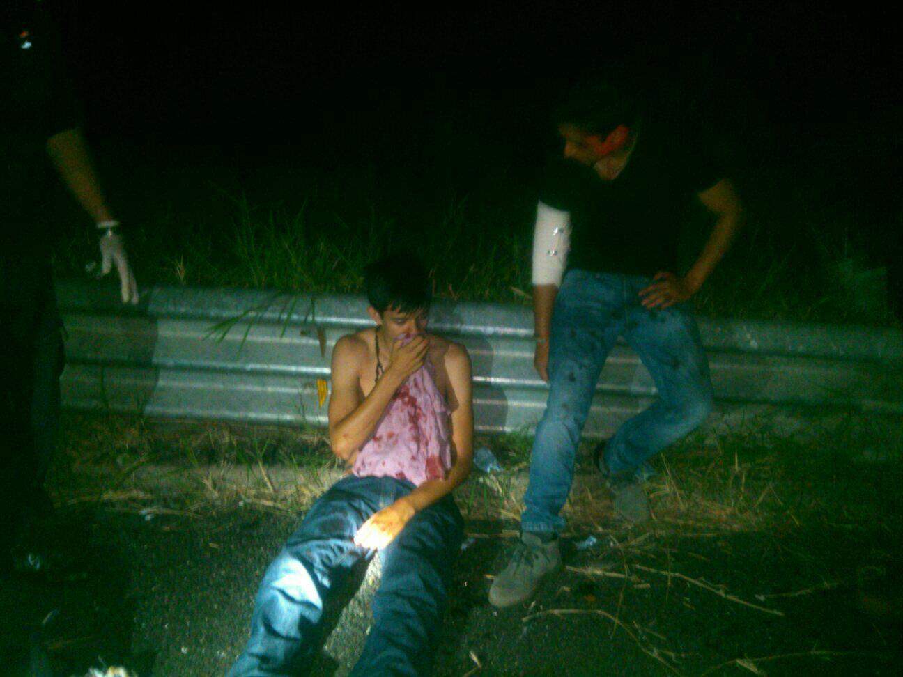 Dos lesionados en accidente en la carretera xalapa for Universidades en xalapa
