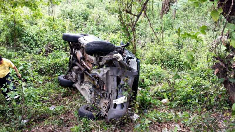 Tres turistas con lesiones graves tras accidente con trailer en carretera Nautla-Cardel