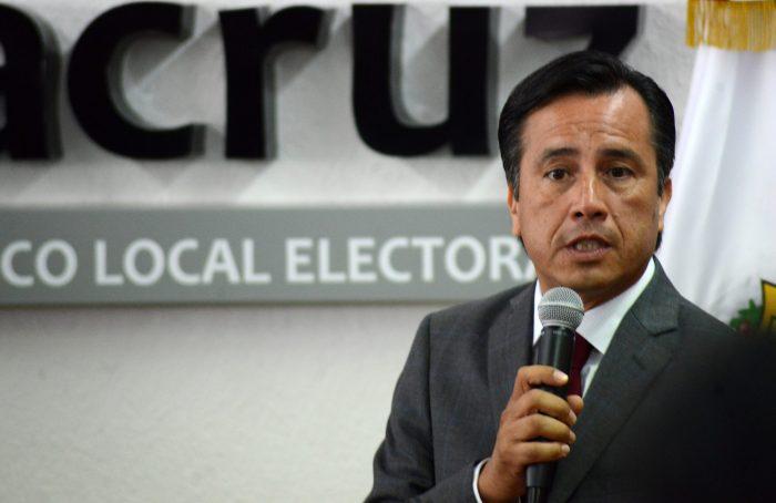 Cuitláhuac minimiza femicidios, pide