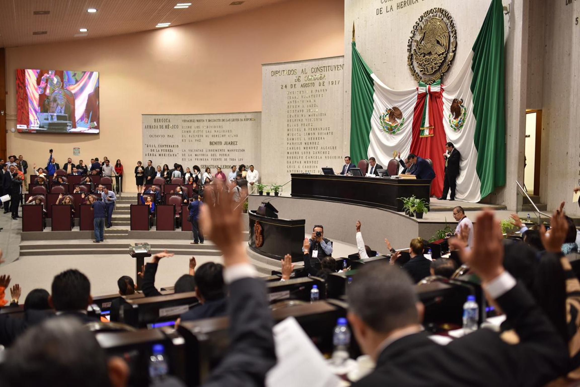 Aprueban facultades a legisladores para remover a Fiscal de Veracruz