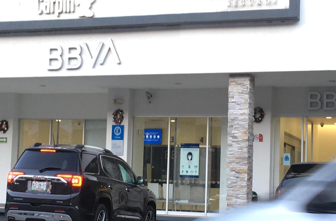 Nuevo asalto a cuentahabiente de BBVA Plaza Calabria, en Xalapa