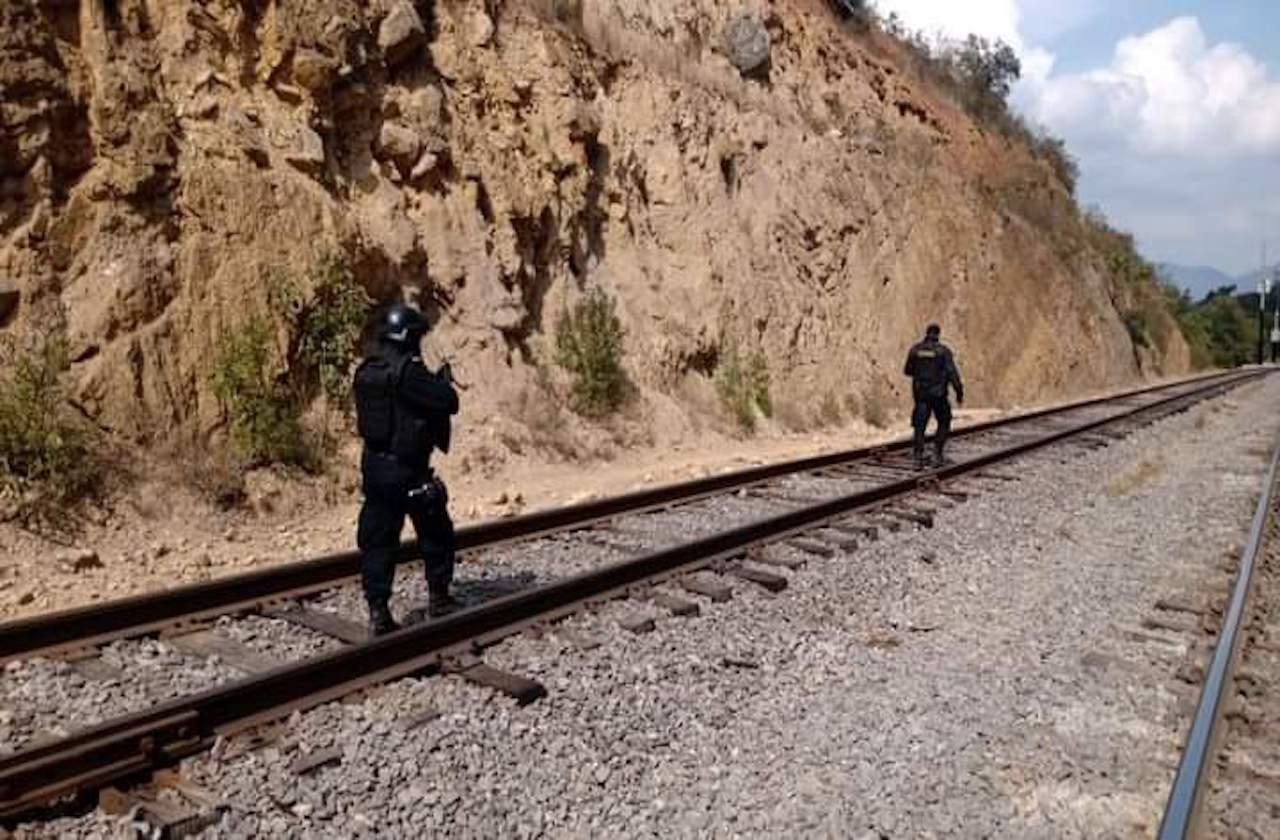 Nuevo enfrentamiento entre policías y roba trenes, en Acultzingo