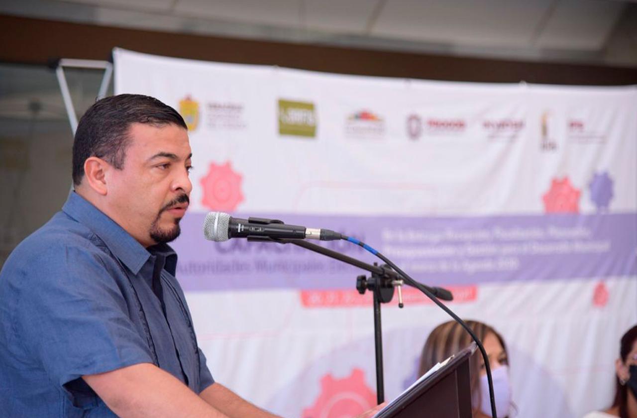 Nuevos gobiernos deben trabajar por el futuro: Gómez Cazarín