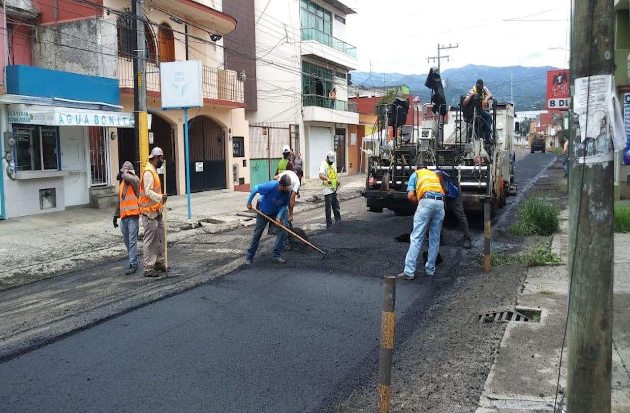Continúa rehabilitación de calles y avenidas de Xalapa