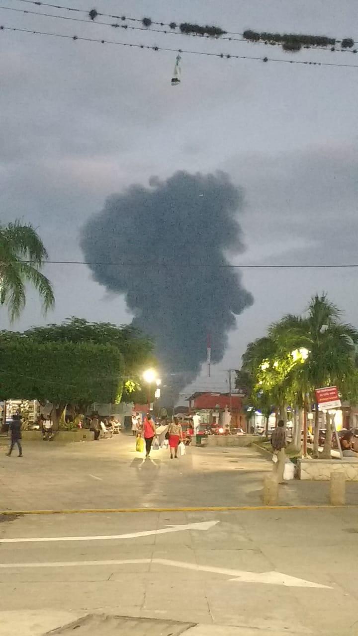 Huachicoleros provocaron incendio de ducto de Pemex en Omealca