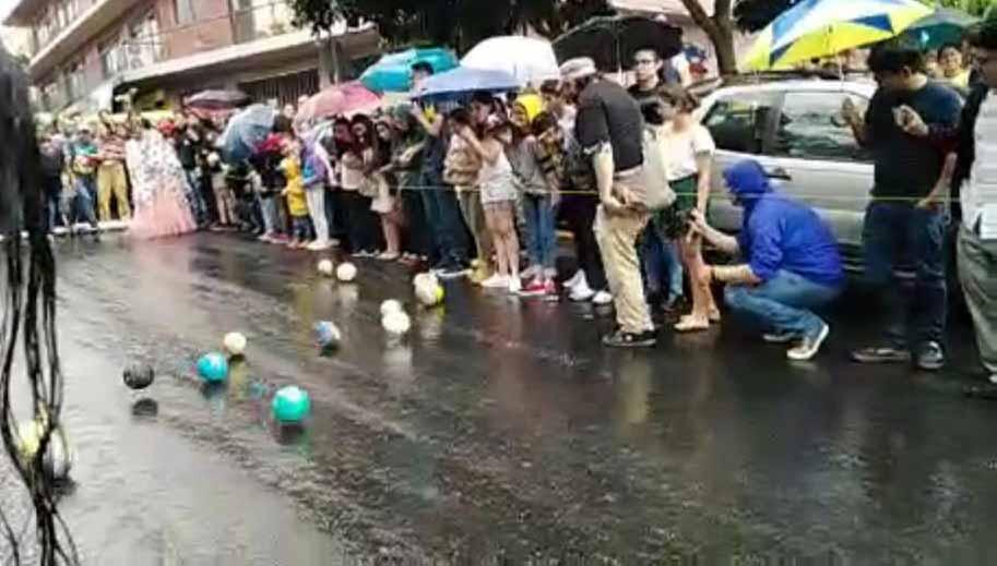 Pese a lluvia realizaron la tradicional carrera de melones de Xalapa
