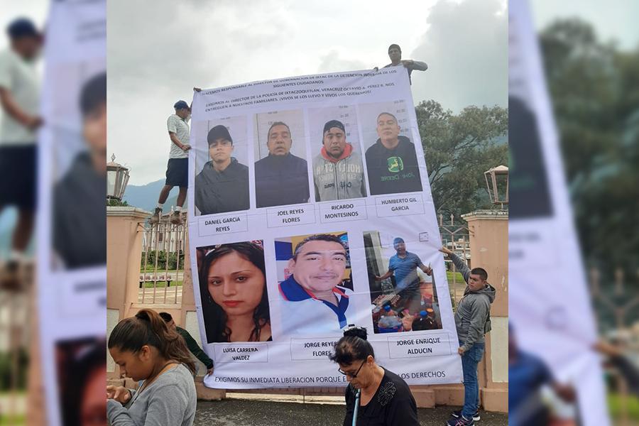 Exigen familiares de desaparecidos en Ixtac presencia del gobernador