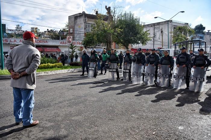 Morena y MMPV van contra Flavino y SEV por operativos policiacos