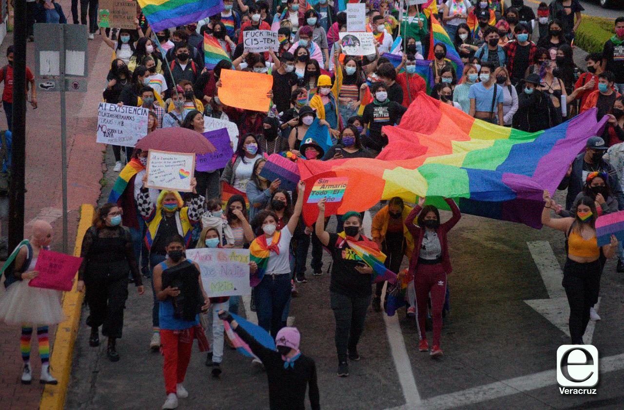 En marcha LGBT+ piden que Congreso no se doblegue ante conservadores