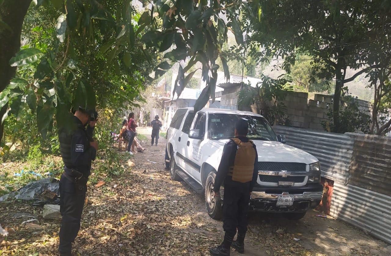 Padres hallan a su hijo sin vida en su domicilio, en Tlilapan