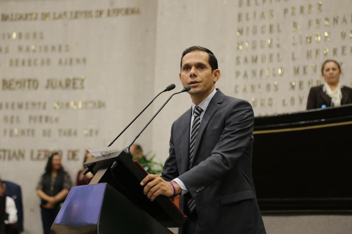 Secretaría de Salud Y FGE debe investigar caso de medicamentos clonados: Gregorio Murillo
