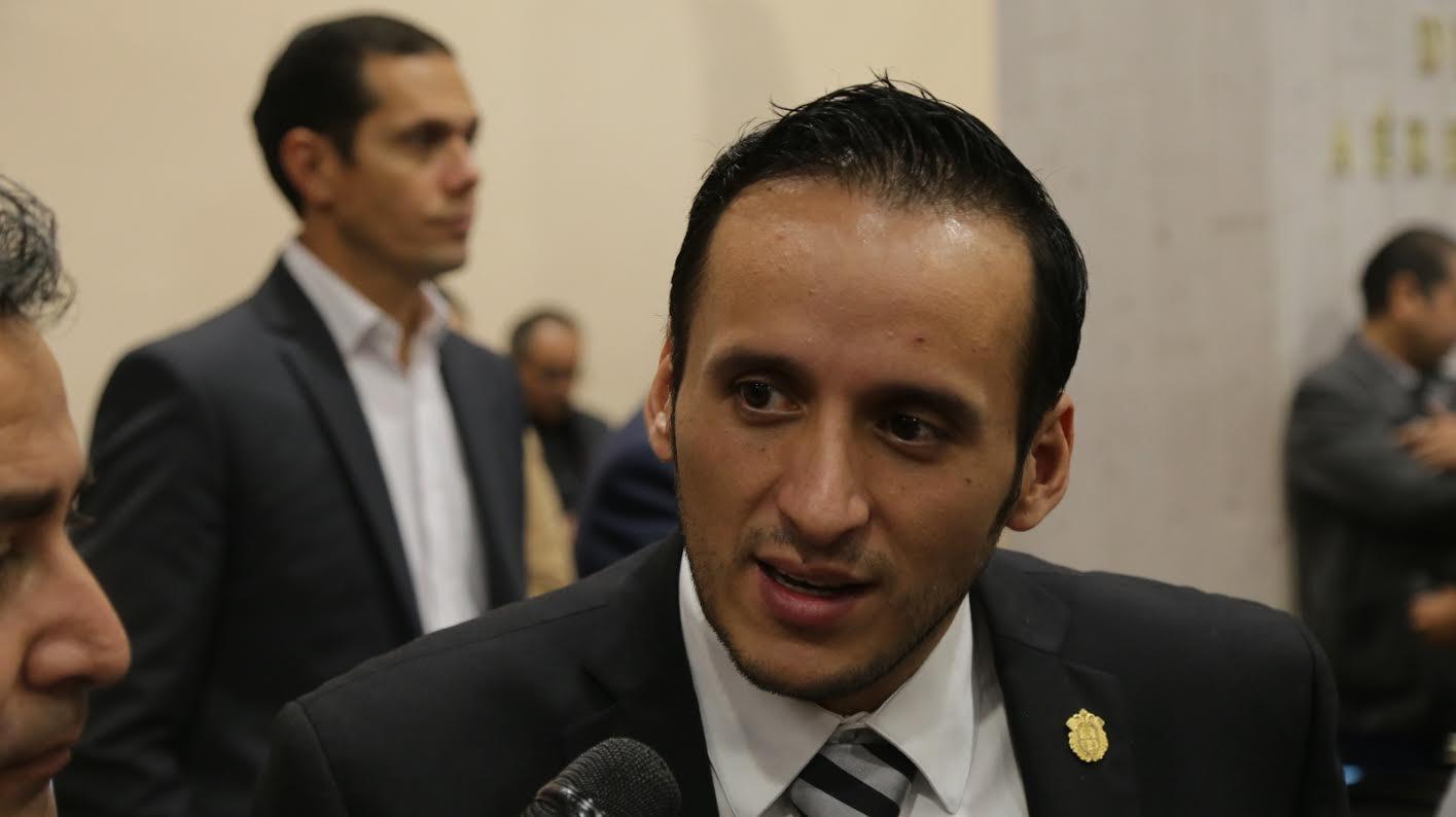 Yunes Zorrilla guardó silencio ante el saqueo de gobiernos del PRI: Sergio Hernández