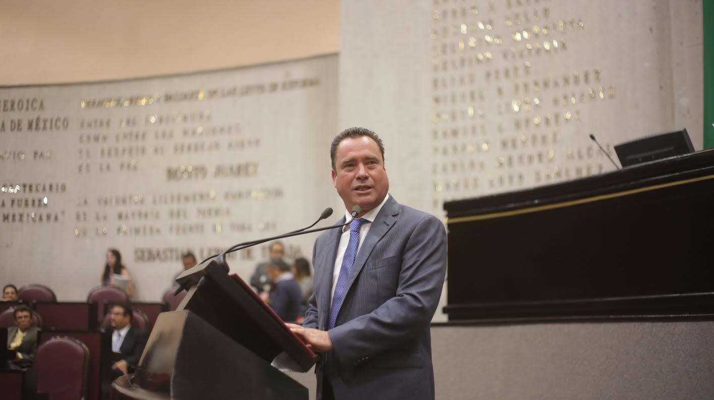 SEDEMA debe iniciar acciones por derrame de hidrocarburos en aguas veracruzanas: Arturo Esquitin