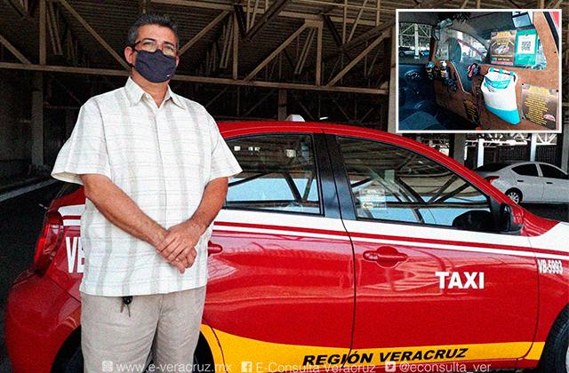 Para protegerse del covid, Claudio modificó su taxi