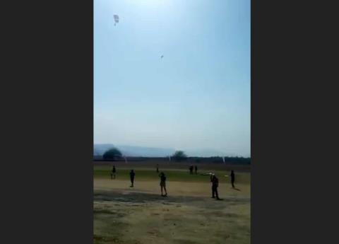 Video: Así fue el accidente de jóvenes en paracaidas