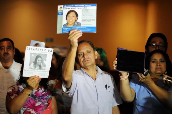 Padres exigen juzgar a Duarte por desapariciones ante corte internacional