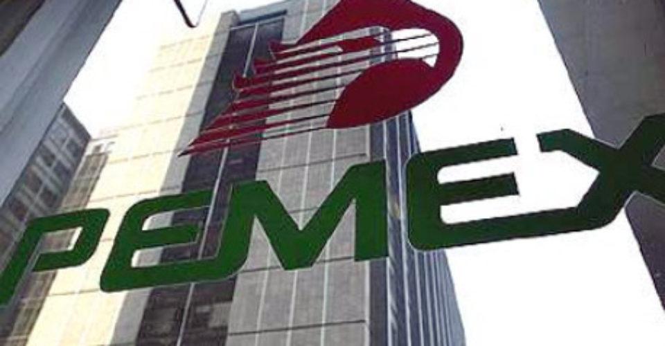 """Pemex """"un gran negocio para el país"""", AMLO y Nahle revisaron presupuesto"""